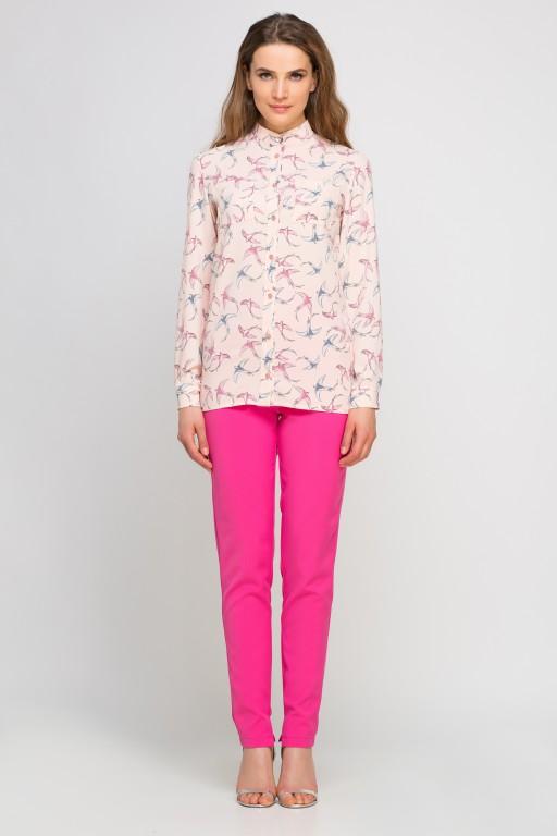 Koszula z dłuższym tyłem, K104 jaskółki róż