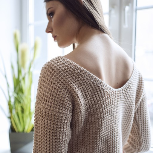 Sweater with neckline at the front or back, SWE118 beige