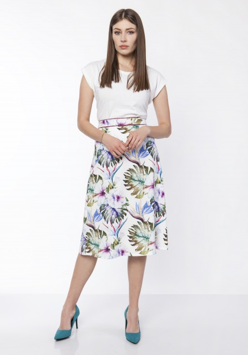 Classic flared skirt, SP120 jeans, SP121 leaves