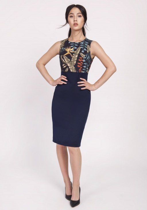Feminine dress in a classic cut, SUK170 leaves navy