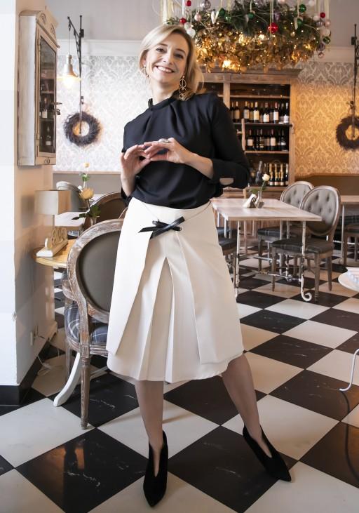 Elegancka spódnica z efektownym wiązaniem z przodu SP123 beż