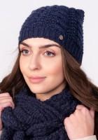 Twarzowa czapka w warkoczowy wzór - jeans
