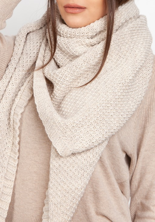 Impressive knitted scarf - beige