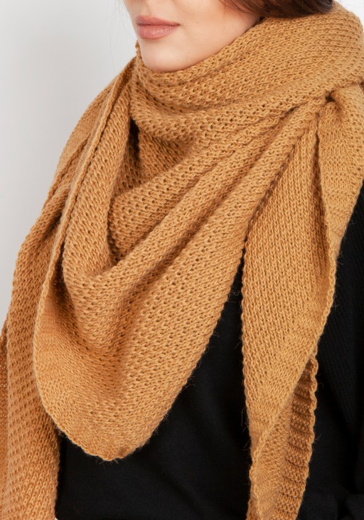 Impressive knitted scarf - cappuccino