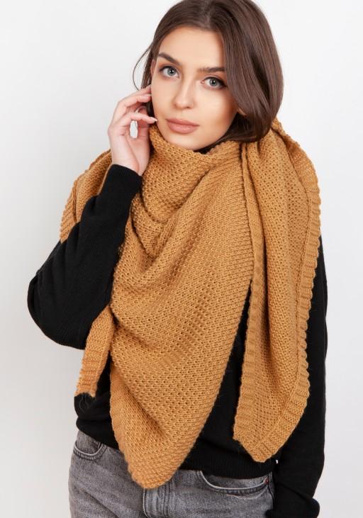Impressive knitted scarf - beige