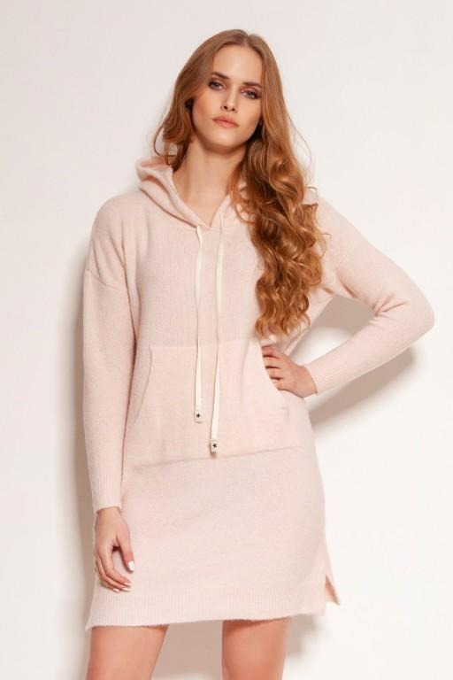 Dzianinowa sukienka - kangurka z kieszenią i kapturem, SWE141 róż