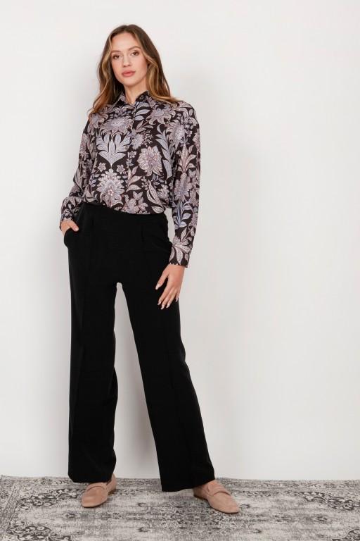 Szerokie spodnie z płaskim przodem, SD124 czarny