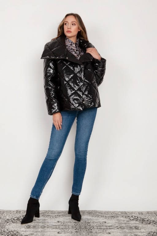 Short, quilted jacket with a large collar, KR107 black