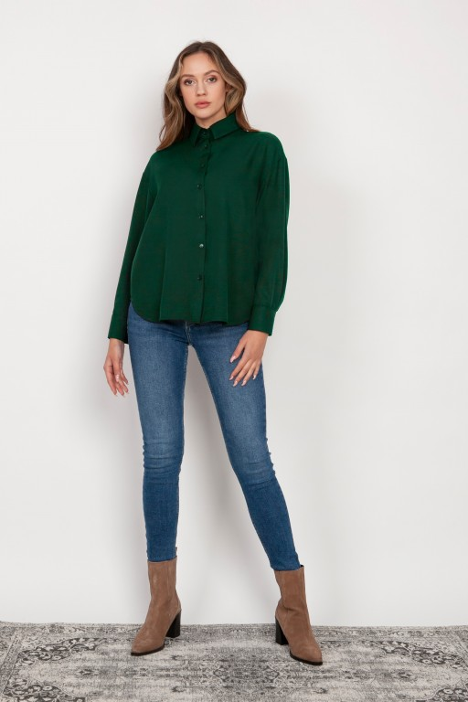 Shirt with a loose cut, K116 green