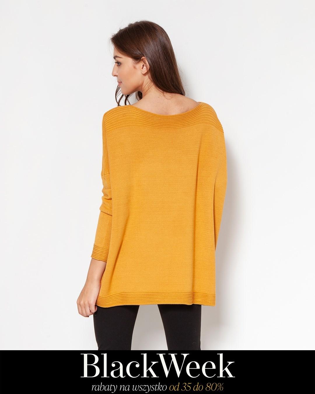 Ten ogromny sweter ma ogromne możliwości! Pasuje do wąskich spódnic, cygaretek, spodni palazzo, legginsów... Wykonany w dziewiarni pod Częstochową, z wysokiej jakości wiskozowej przędzy, która jest bardzo przyjazna dla ciała i dla środowiska. Jej charakterystyka sprawia, że dobrze zatrzymuje ciepło, ale dodatkowo nie dogrzewa (jak np. wełna) - dobrze się więc sprawdza w pomieszczeniach. Sweter nie jest ciężki, ale przyjemnie sprężysty. Zdobią go żebrowane zdobienia, bardzo dopracowane, sprawiające wrażenie wręcz biżuteryjnych. #blackweek #sweterdamski #sweterki #sweter #sweater #sweaterday #sweaterlover #sweaterweather #knitwear #knitted #slowfashion #dzianina #wiskoza #sweterzwiskozy #wiskozowysweter
