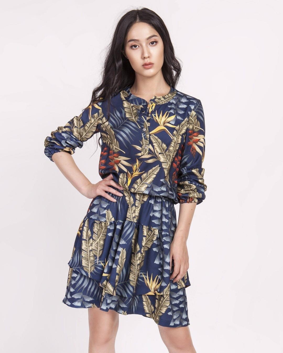 Zwiewny szyfon + falbany? To brzmi jak przepis na romantyczny flirt. Dasz się uwieść? #sukienka #sukienki #sukienkawewzory #wzorzystasukienka #sukienkawliscie #modnasukienka #sukienkanacodzien #eleganckasukienka #wygladajstylowo
