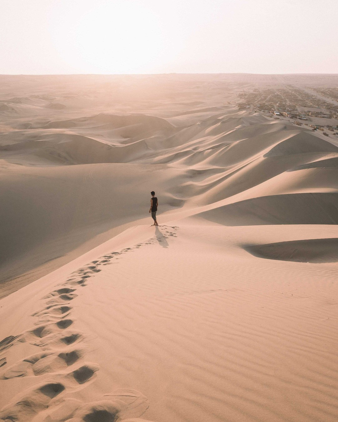 Nikt prawie nie wie, dokąd go zaprowadzi droga, póki nie stanie u celu. J.R.R. Tolkien, Dwie Wieże #cytat #cytaty #love #inspiracja #polska #instagood #photography #photo #życie #marzenia #cytatdnia #rozwojosobisty #pasja #rozwój #cytatyomiłości #quotes #sentencje #miłość #life #photooftheday #cytaty_i_nie_tylko #milosc #happy #szczęście #cytatyozyciu #najlepszecytaty #quote #teksty #piasek #sand
