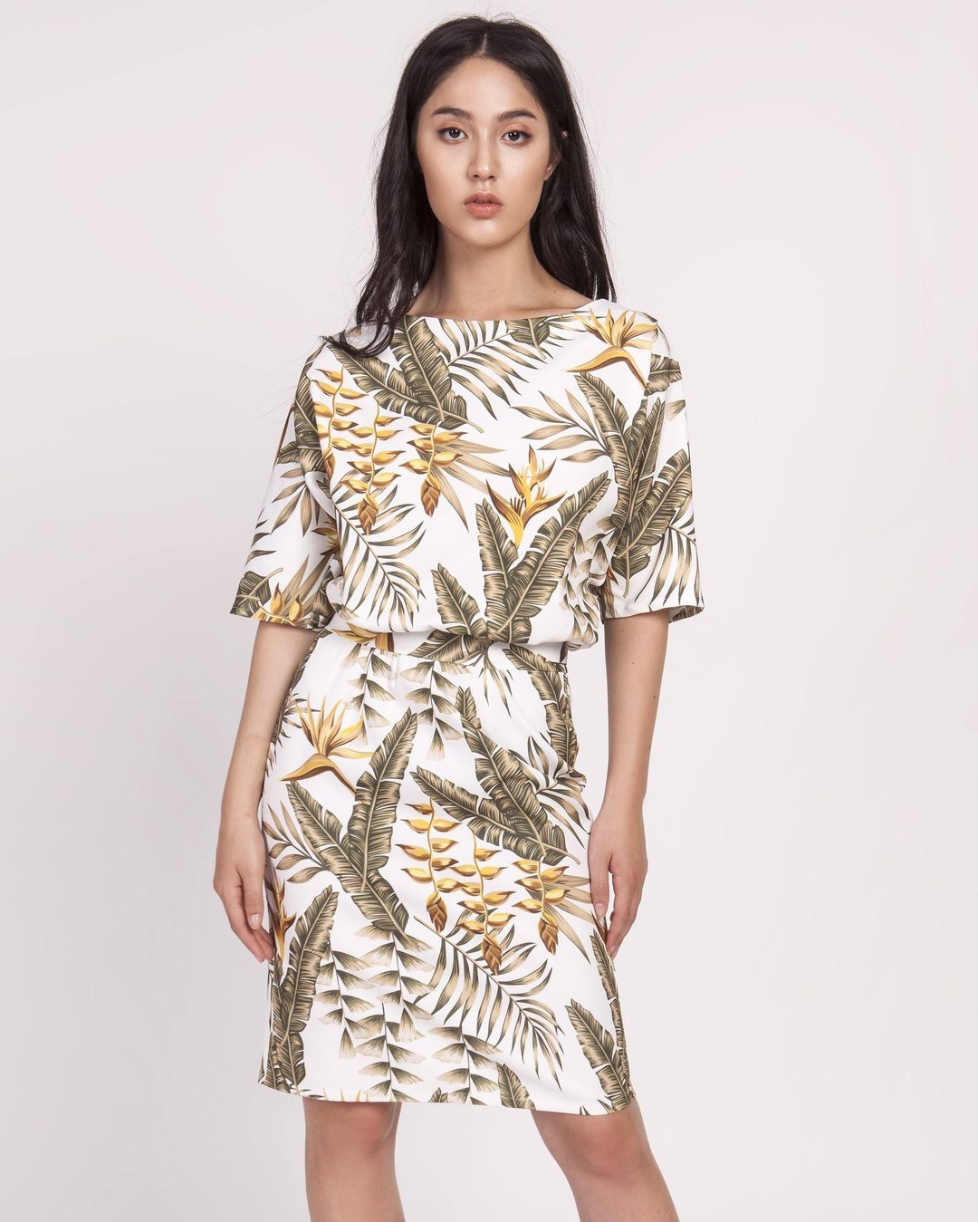 Ten fason to nasz bezapelacyjny bestseller. Dlatego gdy tylko znajdujemy jakiś ciekawy wzór tkaniny, zaraz go dla was w niej szyjemy. I po waszych koszykach widać, że wciąż nie macie go dość 😃 #sukienki #polskiesukienki #najmodniejszesukienki #sukienkiwieczorowe #sukienkikoktajlowe #sukienkikoktailowe #sukienkinawesele #sukienkiweselne #sukienkinalato #sukienkinarandkę #sukienkakoktajlowa #sukienkamini #sukienkamidi #sukienkamaxi #sukienkamarzeń #kieckamusibyć #sukienkadopracy #sukienkadotańca #sukienkadotanca #sukienkidobiura #sukienkinacodzien #sukienkinacodzień #sukienkinacywilny #sukienkadocywilnego #sukniawieczorowa #sukienkiweselne2020 #wieczorowesukienki #sukienkinaimprezę #sukienkiimprezowe #sukienkiwizytowe