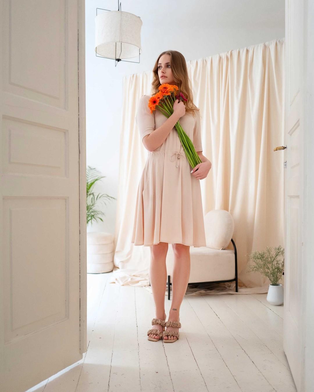 Wiosno, idziemy po Ciebie! Tylko do jutra WSZYSTKO w naszym sklepie kupisz taniej przynajmniej o 20%. Nie przegap okazji! #wiosna #sukienka #wiskoza #onlineshopping #butik #ubrania #wiosennestylizacje #sukienkazwiskozy #promocja 2102