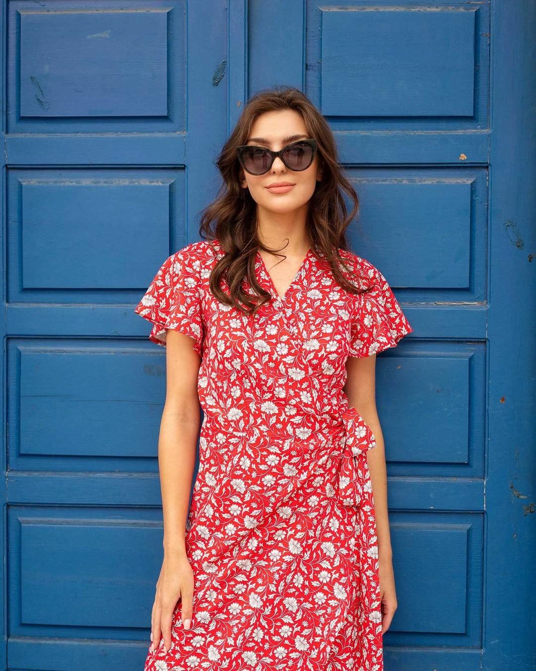 Lato w mieście? Tylko w tej sukience 😍 #sukienka #sukienki #sukienkawkwiaty #sukienkakopertowa #sukienkanalato #sukienkanawesele #sukienkawkwiatki #sukienkawłączkę #summerdress #sukienazwiązaniem #sukienawiązana #nowości #summerinthecity #letniesukienki #fashionblogger #nosimysukienki #wsukience #latowsukience #wakacje #sukienanalato #łączka #kobieco #bluedoor #reddress #brownhair #flowerdress #brunetka #modanalato #trendy2021 #sukienka2021