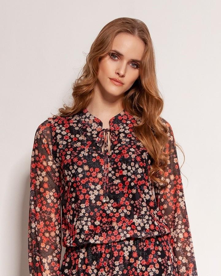 Sukienka, której na sobie nie czujesz nawet w najgorętszy dzień. Jest ultralekka, uszyta z eterycznej siateczki w roślinne wzory. Z przodu i pod spódnicą elastyczna podszewka. Asymetryczny dół wykończony sutą falbaną z koła. W pasie delikatna gumka. #sukienka #polishgirl #dress #fashion #polskadziewczyna #moda #style #sukienki #butik #zakupy #ootd #kobieta #girl #stylizacja #dziewczyna #lato #instagood #instafashion #love #outfit #instagirl #summer #polskakobieta #outfitoftheday #shopping #model #polishwoman #skleponline #kwiaty #shop 2088