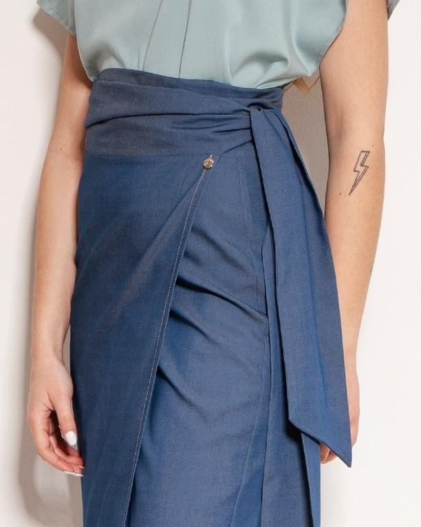 Lanti 🖤 detale. #spódnica #spodnica #jeansskirt #dzins #moda #spodnicazszarfą #fashion #polishgirl #style #styl #spódnicawiązana #summer #skirt #dżinsowa #ubrania #polskadziewczyna #ootd #kobieta #nowakolekcja #fashionblogger #mojstyl #detal #detale #zoomnadetale #kochamydetale #closeup #stylishlook #foryourcomfort #perfectskirt #weloveclothes  2065